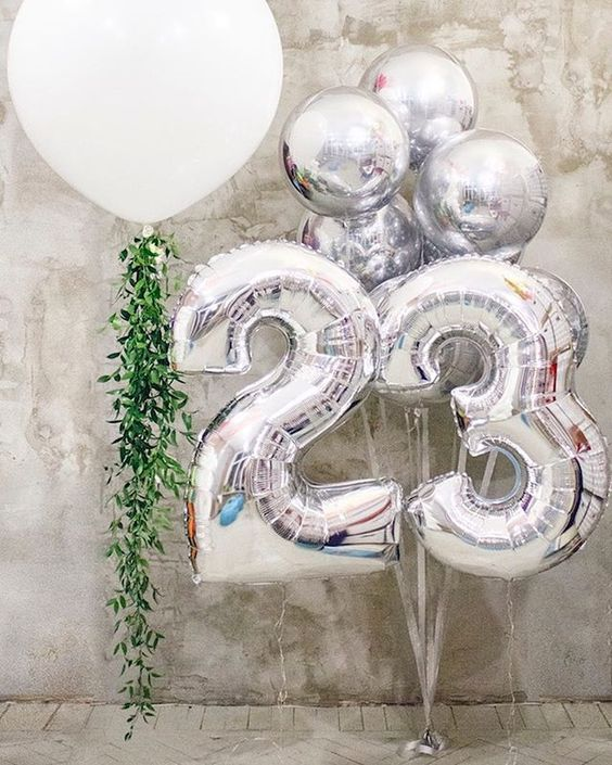 Bóng bay trang trí sinh nhật em bé